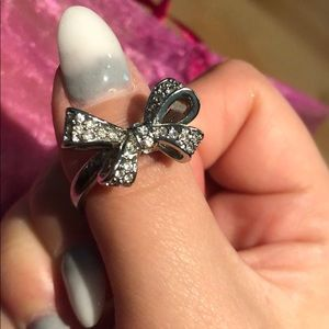 Ann Taylor bow ring 💖🎀✨